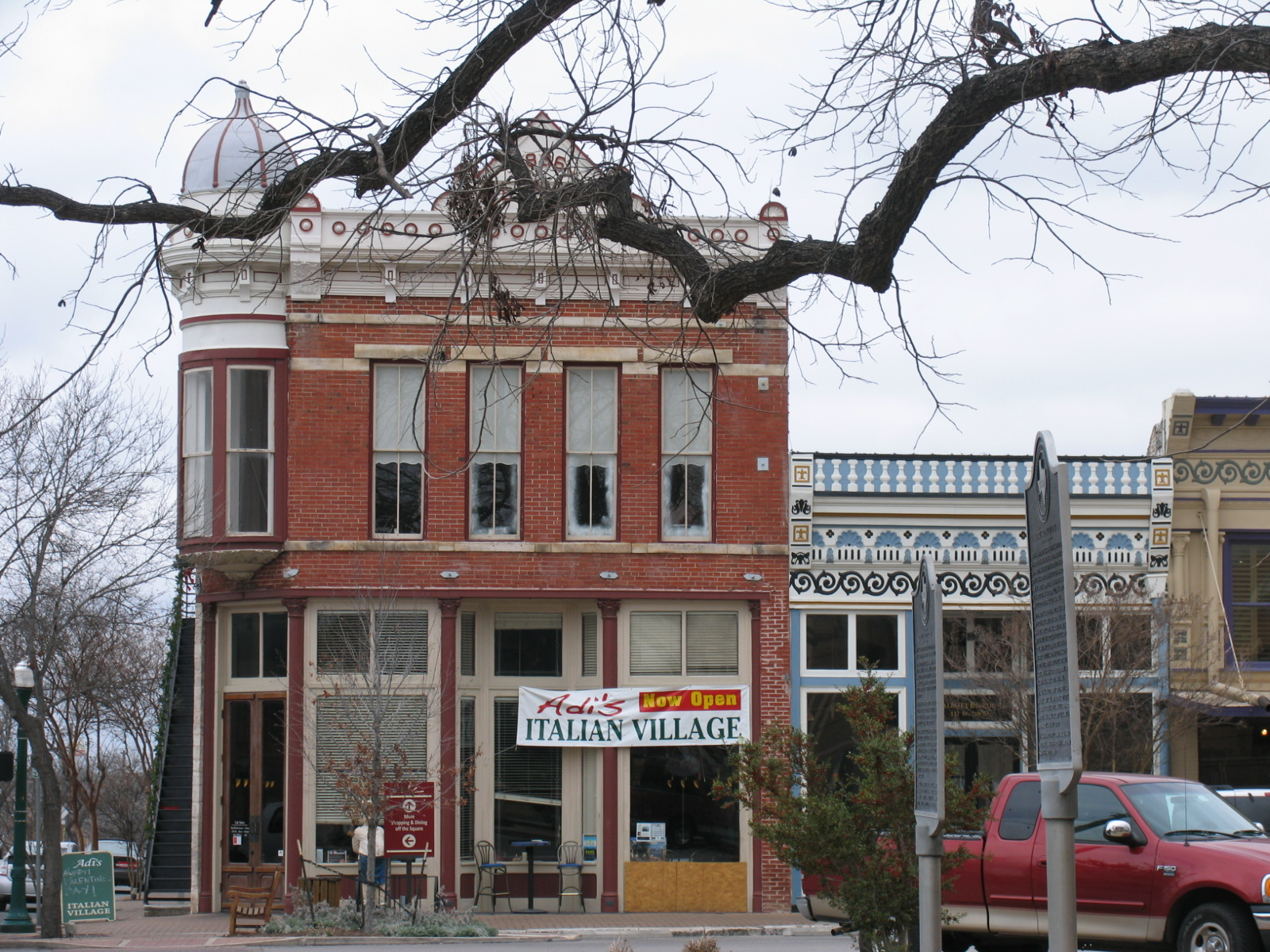 Georgetown texas historic square buy austin metro for Georgetown home